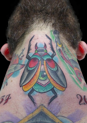 tattoo ESCARABAJO_CUELLO